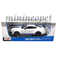 MAISTO 31452 2020 FORD SHELBY GT 500 MUSTANG 1/18 with BLUE STRIPES WHITE