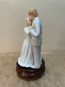 Bride and Groom Wedding Cake Topper - Musical