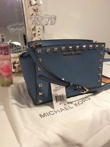 MICHAEL KORS Cornflower Stud Medium Selma Saffiano Leather Crossbody Bag