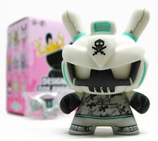 Kidrobot DTA Designer Toy Awards Dunny Series ARMD DANGEROUS Quiccs Grey Vinyl
