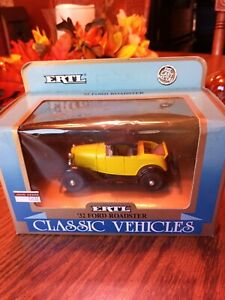 ERTL CLASSIC VEHICLES 1932 FORD ROADSTER DIE CAST 1/43 SCALE