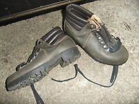 Hiking boots LEATHER inner & outer green gray size 4 ladies girls