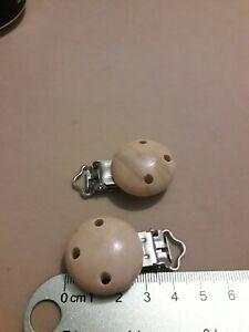 2 DIY Dummy Pacifier Clips beech
