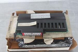 SCHNEIDER ELECTRIC SYMAX HOM-221 OUTPUT MODULE 8POINT AC 1AMP 120VAC