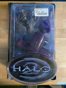 Halo 2 Series 3 Ghost with Brute Action Figure