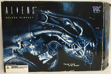 ALIENS : ALIENS DELUXE PLAYSET MADE BY TREE HOUSE KIDS IN 2004 (BY)