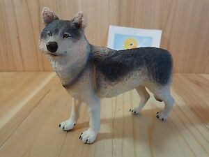 "Gray Wolf Figurine 5"" Plastic Toy Figure 2012 Safari"