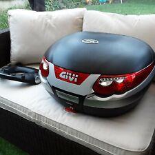 Givi e55 Monokey Top Box, w mount plate & working brake lights. 1 key