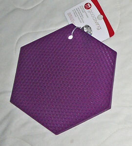 Good Living Silicone Pot Holder Trivet Heat Resistant Textured Honey Comb