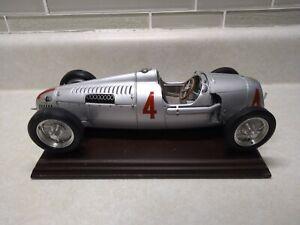 1936 AUTO UNION TYPE C SILVER 1/18 DIECAST MODEL CAR  BY CMC 073 4230/5000