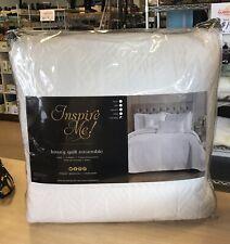 Inspire Me! Home Decor White Celeste Cali King 5-Piece Quilt Set