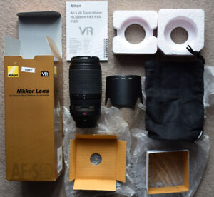 Nikon Zoom-Nikkor AF-S VR 70-300mm f4.5-5.6 IF-ED Lens. Never taken out of house