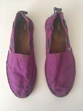Toms Purple Canvas size 6.5
