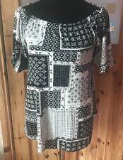 Ladies Top Bardot Black And White Pattern BNWT Size 8