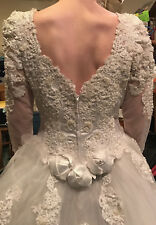 Antique - Mori Lee - Elegant White Formal Lace with Pearls V-Neck Wedding Dress