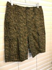 Levi's NEW Men's Cargo Shorts Digi Camo Size 32 Green Relaxed Fit Below the Knee