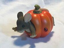 Charming Tails Pumpkin Surprise 83/106 Figurine Mouse Halloween Decoration Fitz
