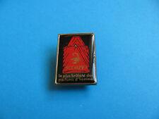 "Vintage "" SCORPIO "" parfumes d'homme pin badge. Cologne / Aftershave"
