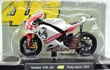 MODELLINI TUTTE LE MIE MOTO VALENTINO ROSSI 46 YAMAHA YZRM1 1:18 2007 MOTORBIKE