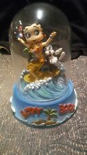 """1996 BETTY BOOP """" SURFBOARD BETTY """"  HAND PAINTED FIGURINE IN GLASS DOME"""