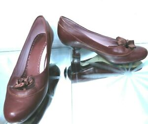 Clarks chestnut brown leather brogue style low heel with ribbon UK 5, EU 38