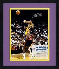 Framed Magic Johnson Los Angeles Lakers Signed 16'' x 20'' v Clyde Drexler Photo
