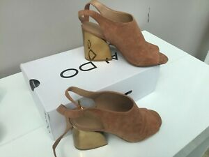 ALDO  Shoes with high heels and and ankle strap - Size 7(40)   -Thames Hospice