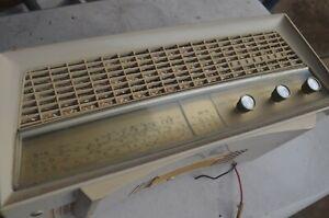 KRIESLER VINTAGE VALVE RADIO, MODEL 11-81A, WORKING