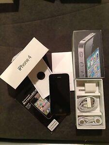 Apple iPhone 4 -8GB -Black (Verizon -PAGE PLUS) Smartphone Clean Esn +FREE GIFT