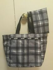 LESPORTSAC GRAY NYLON PLAID TOTE BAG WITH POUCH