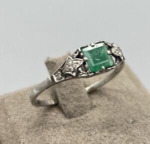 Art Deco 950er Platin Ring   Mit 2 Diamanten   Grüner Halbedelstein