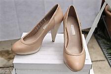 zapatos cerrados cuero beis CALVIN KLEIN talla 39/8 NUEVAS EN CAJA valorada EN