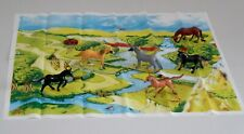 6 PLASTIC HORSES ANIMALS WITH PLAY MAT