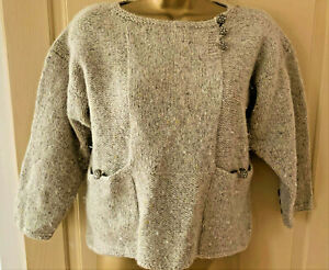 Vintage 80s hand knitted oatmeal short / crop jumper with pockets size 10 12