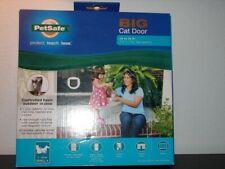 New listing Pet Safe Big Cat Door
