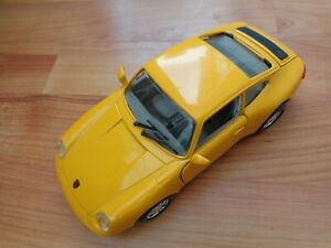 1/18 SCALE BURAGO CLASSIC PORSCHE CARRERA 911 YELLOW DIECAST MODEL CAR