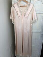 Beautiful Elegant Vintage Chaslyn Faux Satin Peach Cream Night Dress Size S