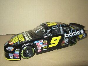 903Q Action 110365 Dodge Charger NASCAR 2005 Kasey Kahne #9 Longest Yard 1:24