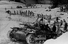 WW2 Picture Photo Russia 1943 German Panzer III tank in winter camo 1768