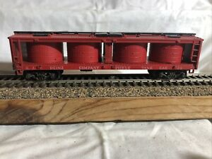 Athearn HO scale Red Heinz Company Pickle Tank Car Rd#73