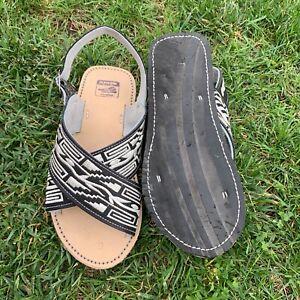 Men's Handmade Embroidered Sandals Huaraches de Hombre Bordado hechos a mano