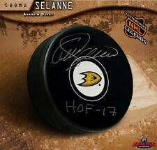 Teemu Selanne Signed Anaheim Ducks Puck with HOF 17