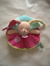 DOUDOU LAPIN GOURMANDISE PLAT ROND ROSE VERT SUCETTE CAPE BLEUE BABY NAT bn0126