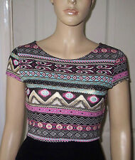 QUIZ Cream Pink Gold Aztec Pattern Short Sleeve Crop Top Size: 10 BNWT