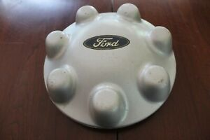 1995 -2004 FORD F150 F250 Silver Painted CENTER CAP Used OEM #YL34-1A096-HA
