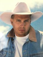 Garth Brooks Photograph Fan Merchandise with Reproduced Autograph 8x10