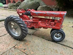 Vintage TRU - SCALE 890 Farm Tractor 1/16 Scale DieCast