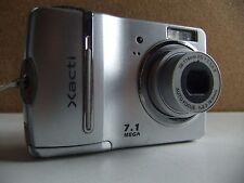 sanyo xacti s70 7.1 megapixel digital camera/ silver.