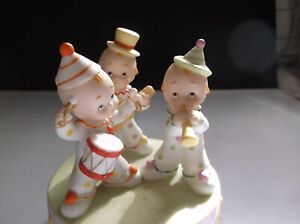 "Vintage Kewpie Music Box  Lefton #05816 Plays Cupie's Cupid 5"" tall 4"" dia GC"
