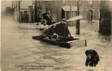 CPA La Crue de la Seine. Un Bac improvise Rue d'Ivry (561547)